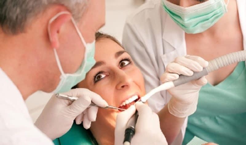 стоимость пломбы на зуб в Москве